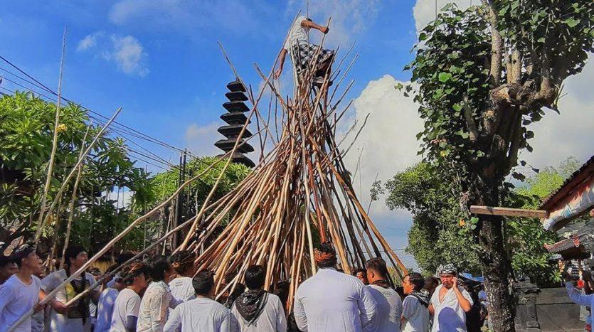 Optimum Bali - News - Mekotek